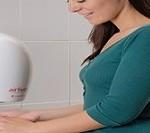 استفاده از خشک کن های برقی در سرویس های بهداشتی مضر است