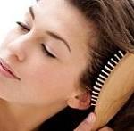 اگر روش صحیح شانه کردن مو را نمی دانید، بخوانید!