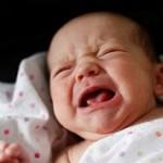 مشکل چسبیدن لبهای دستگاه تناسلی به هم در کودکان دختر