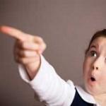 چه عواملی باعث دروغگویی کودک می شود؟