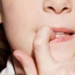 علت ناخن جویدن چیست و آیا درمان دارد؟