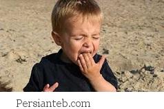 خاک خوردن کودک