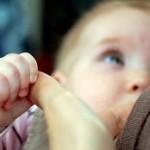 با علائم کم بودن شیر مادر آشنا شوید