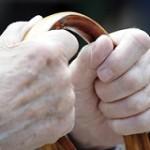معایب استفاده از عصا برای سالمندان