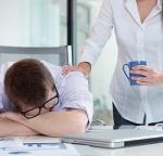 ۵ راهکار ساده برای جلوگیری از خواب آلودگی در محل کار