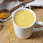 ۹ فایده مصرف شیر با زردچوبه
