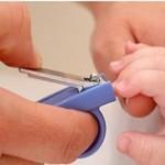 چه زمانی برای کوتاه کردن ناخن نوزاد مناسب است؟