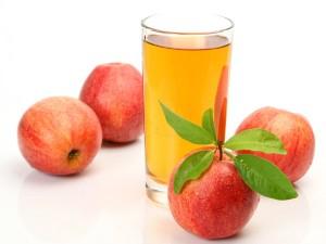 آب میوه و دارچین