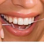 پیشگیری از بوی بد دهان با نخ دندان