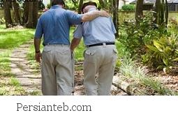 چرا بعضی سالمندان کند راه می روند؟