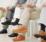 پیامدهای قرار دادن پاها روی هم هنگام نشستن چیست؟!