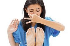 علت بوی پاها