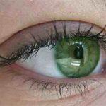 7 عادت خطرناک برای سلامت چشم ها