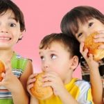 اثرات خوردن هله هوله بر بدن کودکان