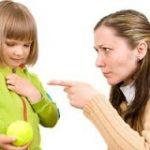 ۵ کار ممنوعه والدین در تربیت کودک