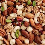 مضرات مصرف بیش از حد آجیل در نوروز