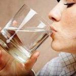 درمان یبوست با آب ولرم در منزل