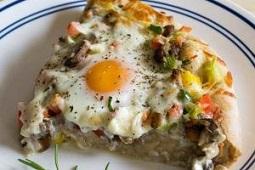 پیتزای صبحانه در تابه
