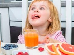 فواید آب میوه طبیعی