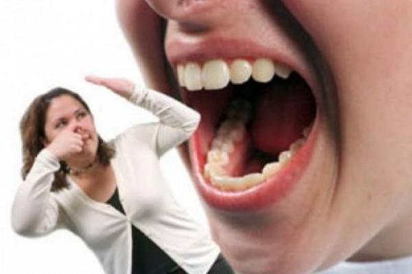 نفس بد بو ، علت بوی بد تنفس ، درمان بد بویی دهان