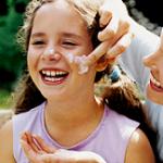 فواید استفاده از کرم ضدآفتاب + کرم ضدآفتاب برای پوست حساس
