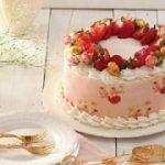 طرز تهیه کیک توت فرنگی و شکلات