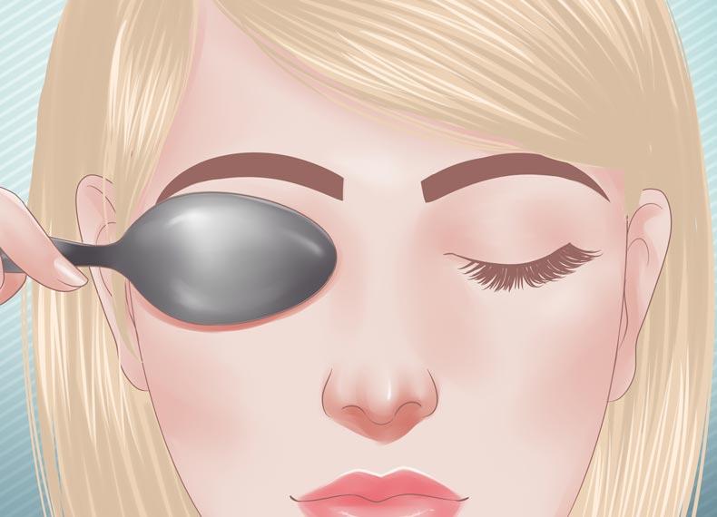 درمان پف چشم ها با قاشق سرد
